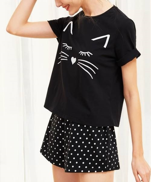 Picture of Cat Print Cuffed Top And Polka Dot Shorts Pajama Set