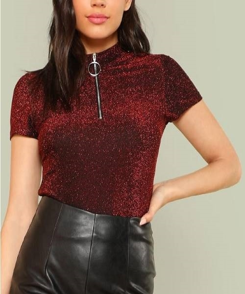 Picture of Exposed O-Ring Front Glitter Top