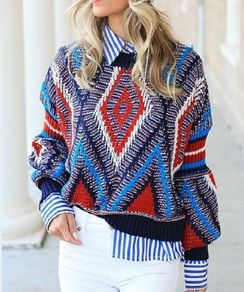 Picture of Tribal pattern crop pullover